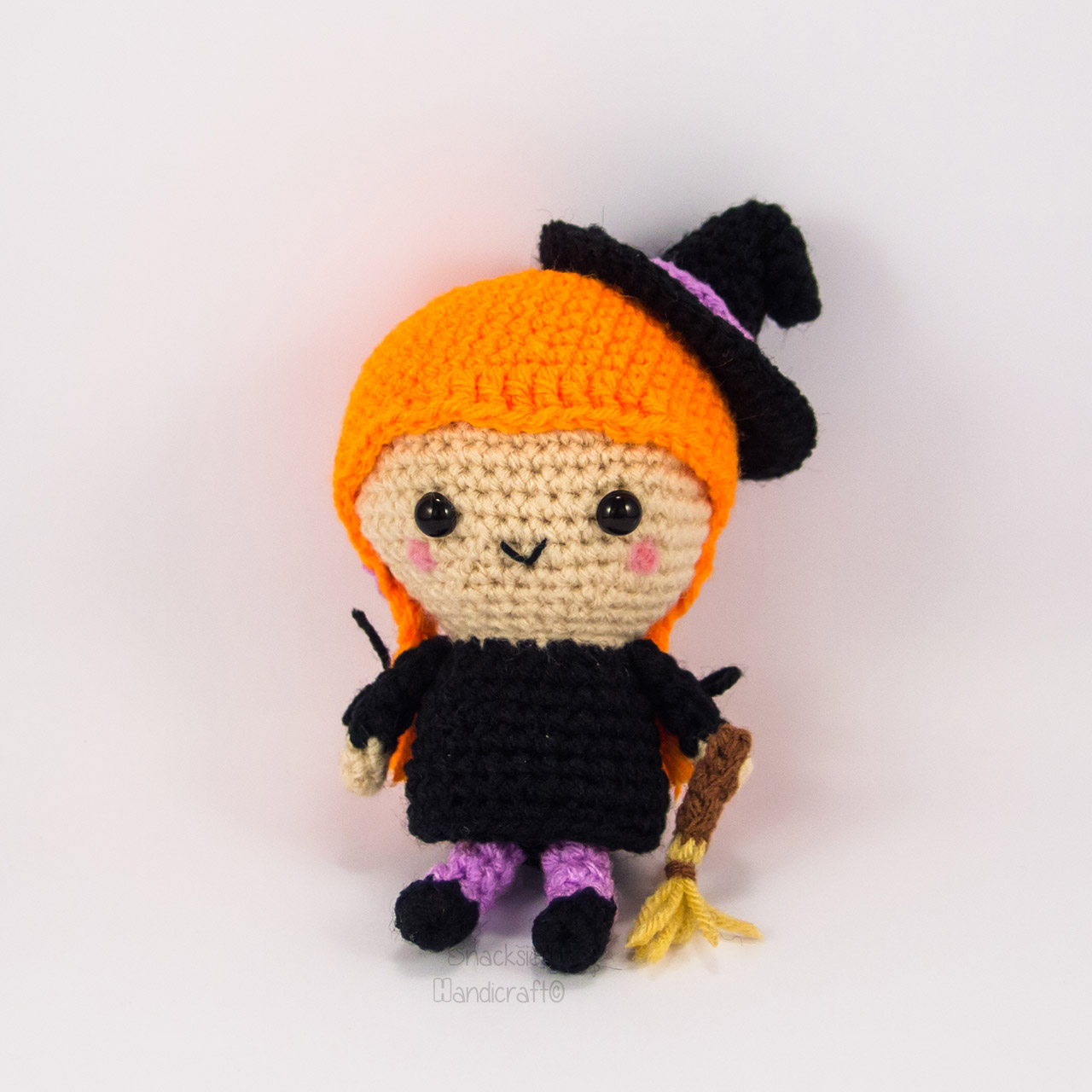 crocheted-witch-amigurumi