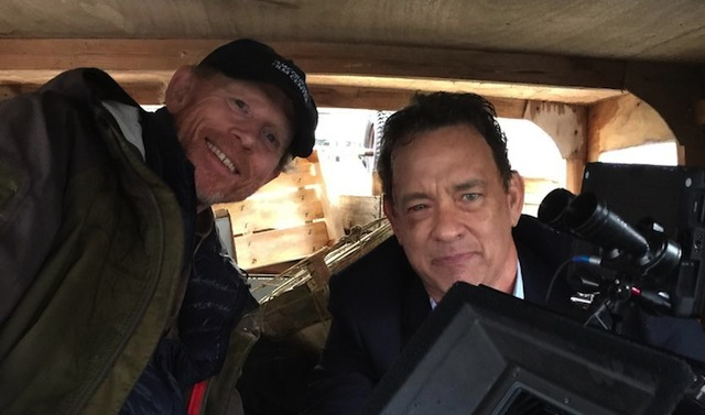 Ron Howard dirigiendo a Tom Hanks