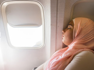 Ingin Tidur Nyenyak Dalam Pesawat? Ini 5 Tipsnya!