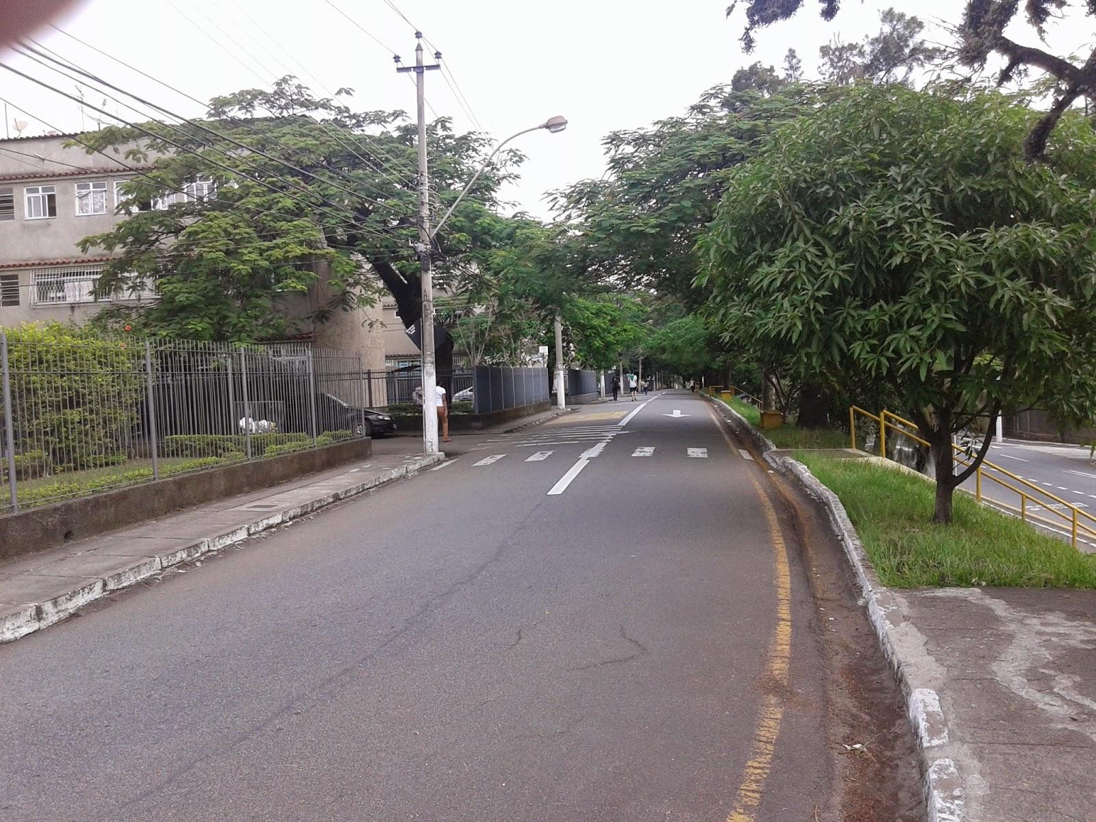 Rua no bairro Laranjal