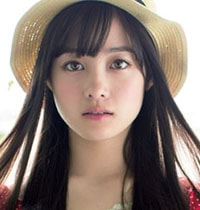 Kanna Hashimoto sebagai Hinana Hanazawa