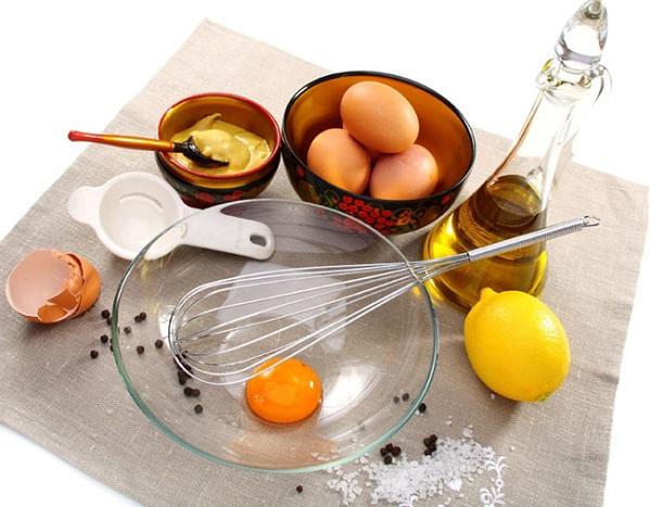 chữa trị dị ứng da bằng lòng trắng trứng
