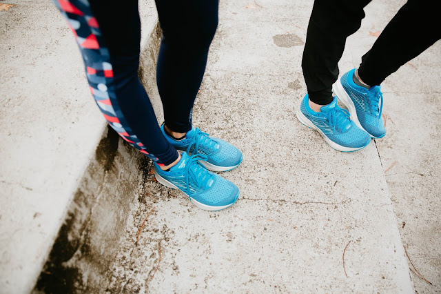 brooks levitate sneaker