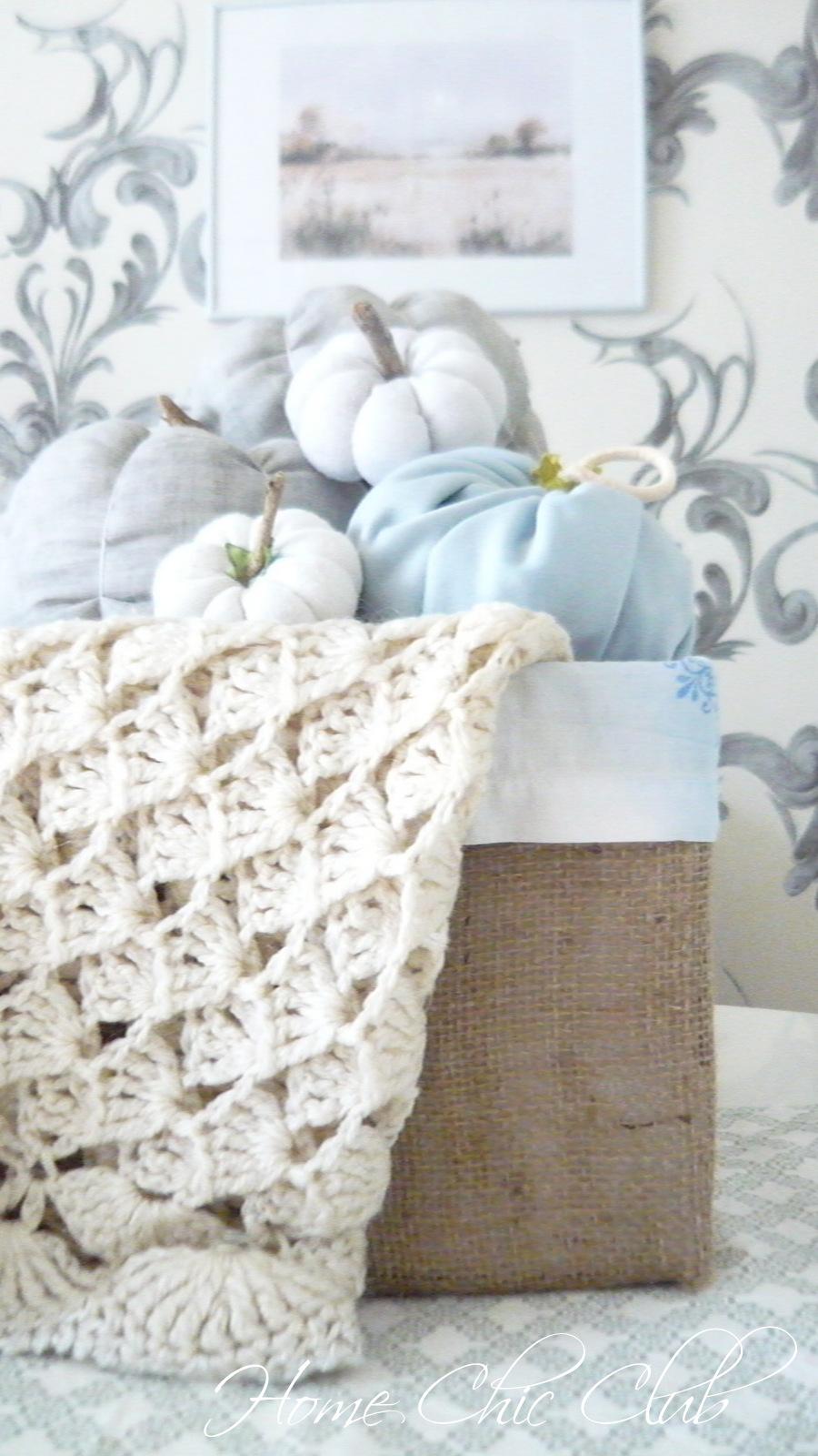 Easy Diy Fabric Wreath For Summer: Easy Fall Ideas - DIY Fabric Pumpkins