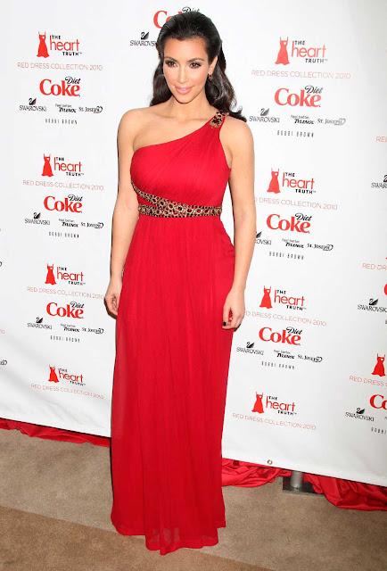 Vestido festa longo e vermelho, Kim Kardashian estilo grego