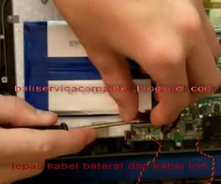cara membuka baterai tablet