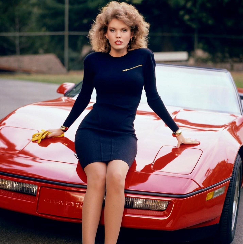 Miss Car Nude 40