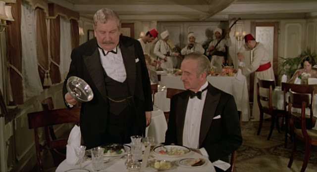Peter Ustinov and David Niven in Death on the Nile