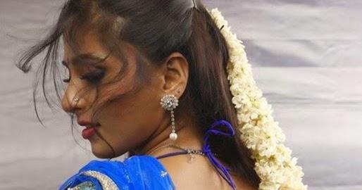 WEB WORLD: Tamil Nadigai Anushka Saree Photo Gallery