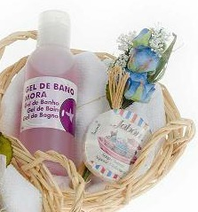 cesta mimbre baño aroma mora como detalle de boda para mujeres