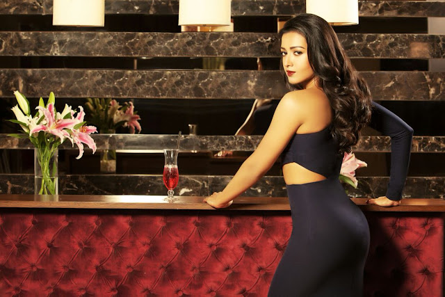 Actress Catherine Tresa Latest Photoshoot