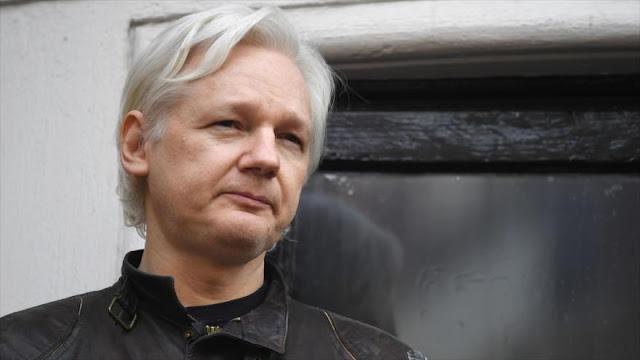 Assange propone a Maduro adoptar la Constitución saudí