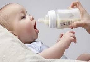 Jangan Biarkan Anak Minum Susu Hingga Tertidur