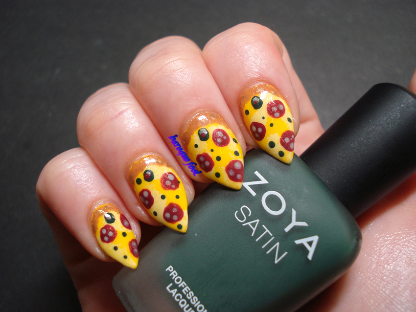 baroque fool: NOTD: Pizza nail art