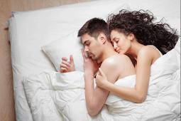9 Posisi Tidur Yang Tidak Seharusnya Dilakukan Pasangan Di Kamar Tidur