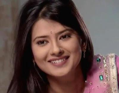 Kratika Sengar sebagai Aarti Yash Sindhia