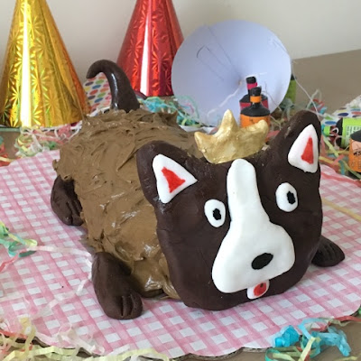 Her Majesty the Queen corgi cake