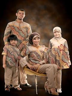 Contoh Model Baju Batik Couple Keluarga Terbaru