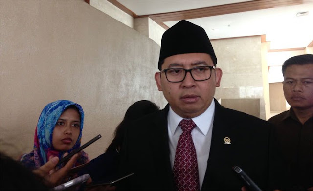 Kubu Prabowo-Sandi Heran UGM Cabut Izin Seminar Dua Timsesnya