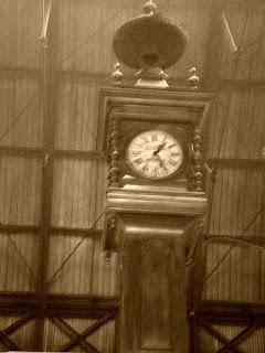 Relógio no Mercado Del Puerto, Montevidéu