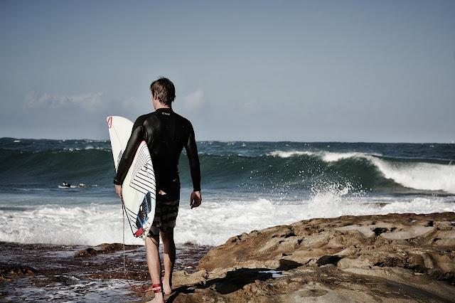 Surfer sur la cote