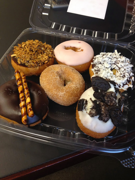 Anna's Mini Review: Peace, Love and Donuts, Naples, Florida