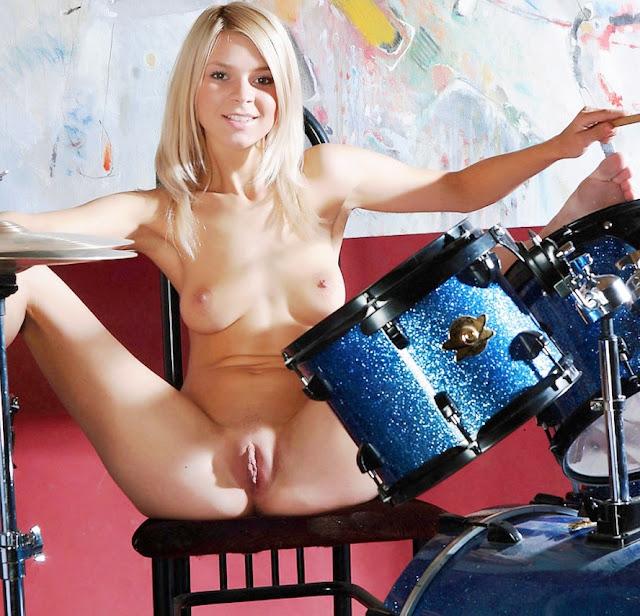 Эротика фото www.eroticaxxx.ru: Голая барабанщица фото. Красивые эротические фотографии