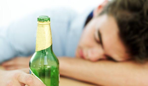 Álcool é responsável por uma morte a cada 20 no mundo