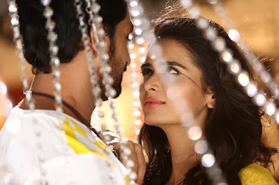 Bayam Oru Payanam a Tamil Film in which Bharat Reddy,Meenakshi Dixit and Vishaka Singh Appear