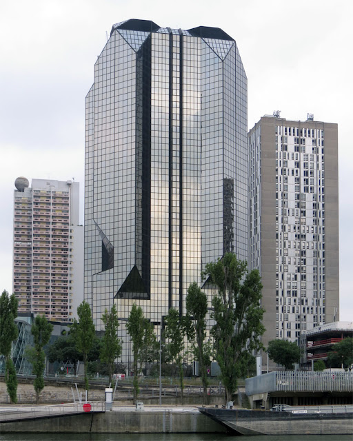 Tour Cristal by Julien Penven and Jean-Claude Le Bail, Tour Beaugrenelle and Tour Keller in background, Front de Seine, Paris