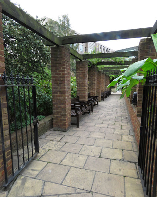 Cleary Gardens, Huggin Hill, City of London, London