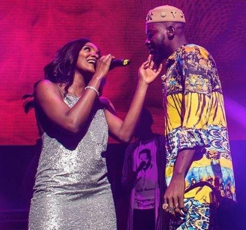 Adekunle Gold Performs Alongside Simisola On Stage
