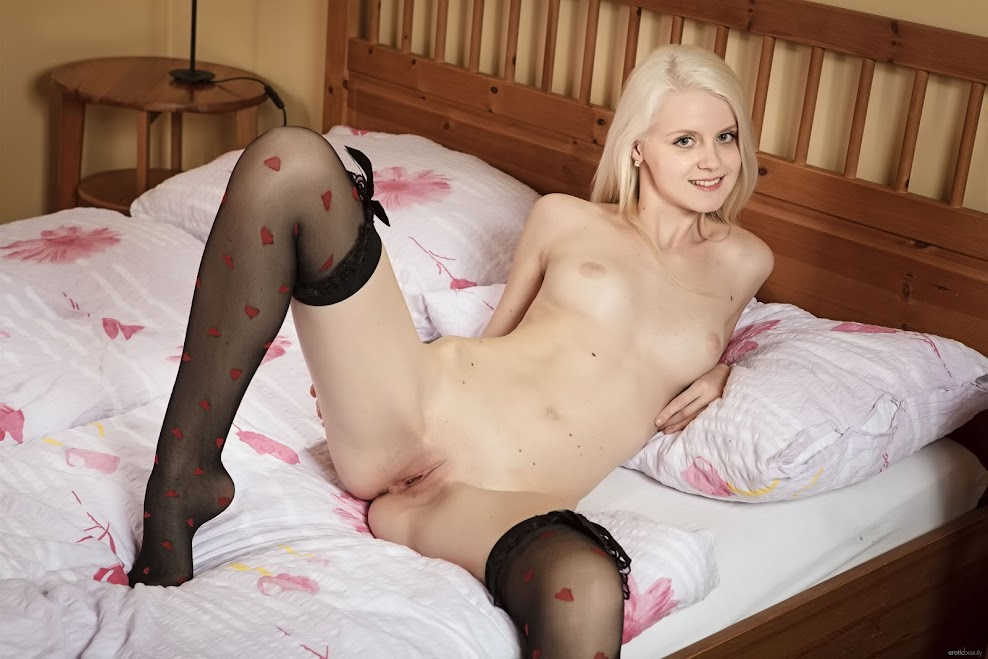 title2:EroticBeauty Andralin With Stocking