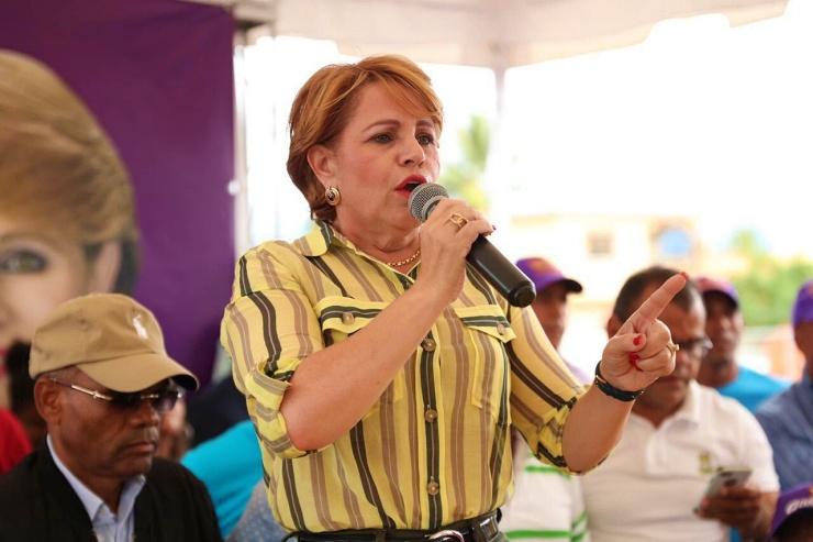"""(Audio) Lucia Medina: """"DNI sigue a todo aquel que hace diabluras contra el gobierno"""""""