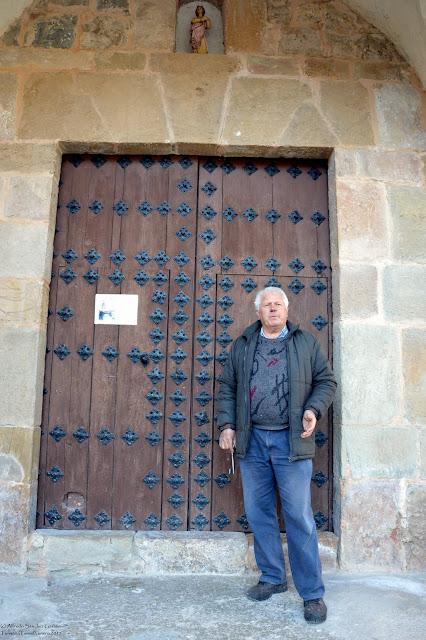tormon-teruel-iglesia-parroquial-entrada