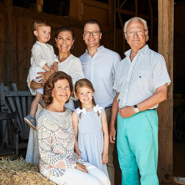 Letnie zdjęcia Szwedzkiej Rodziny Królewskiej! + więcej
