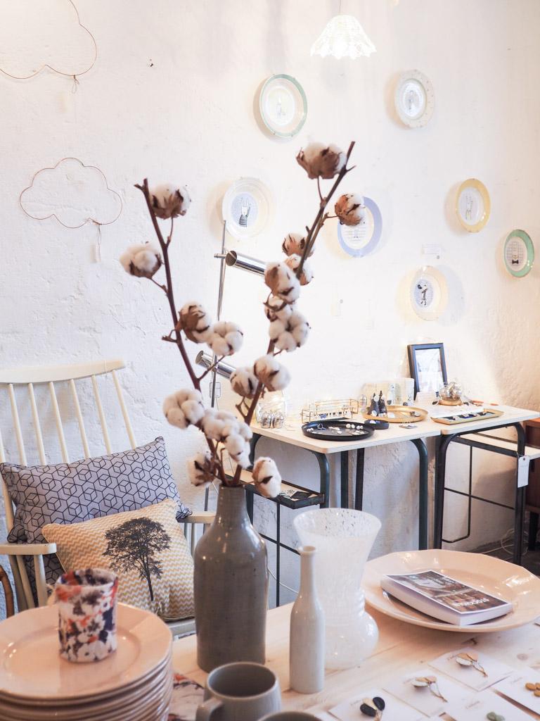 no l l 39 atelier du petit parc dans un petit village. Black Bedroom Furniture Sets. Home Design Ideas