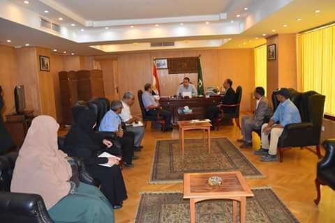 محافظ الفيوم يبحث أعمال تطوير شارعي جمال عبد الناصر وسعد زغلول