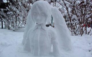 Όταν χιονίζει στο Τόκιο, η φαντασία των Γιαπωνέζων οργιάζει - EIKONEΣ