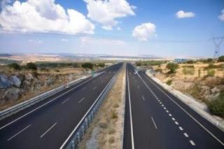La autopista San Juan-Mendoza es una de las obras claves anunciadas para este año, que tendrá financiamiento nacional. Cuando esté lista, los cuyanos deberán pagar peaje por primera vez ya que ni en San Juan y en la vecina provincia hay una ruta en la que se cobre por este concepto.