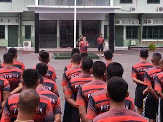 Hartono Beri Jam Komandan ke Prajurit dan PNS di Korem Binaiya
