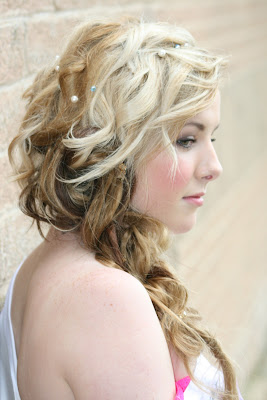 Textured wedding hair on a blonde bridal model