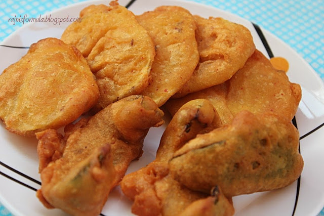 Potato and Capsicum Bhajiya