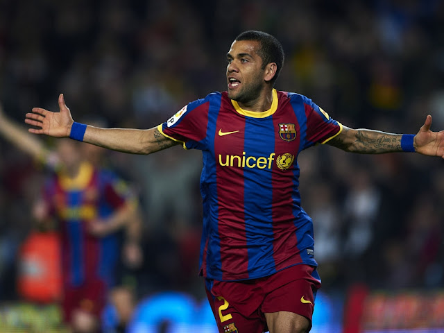 free desktop wallpapers 1024x768 download Dani Alves