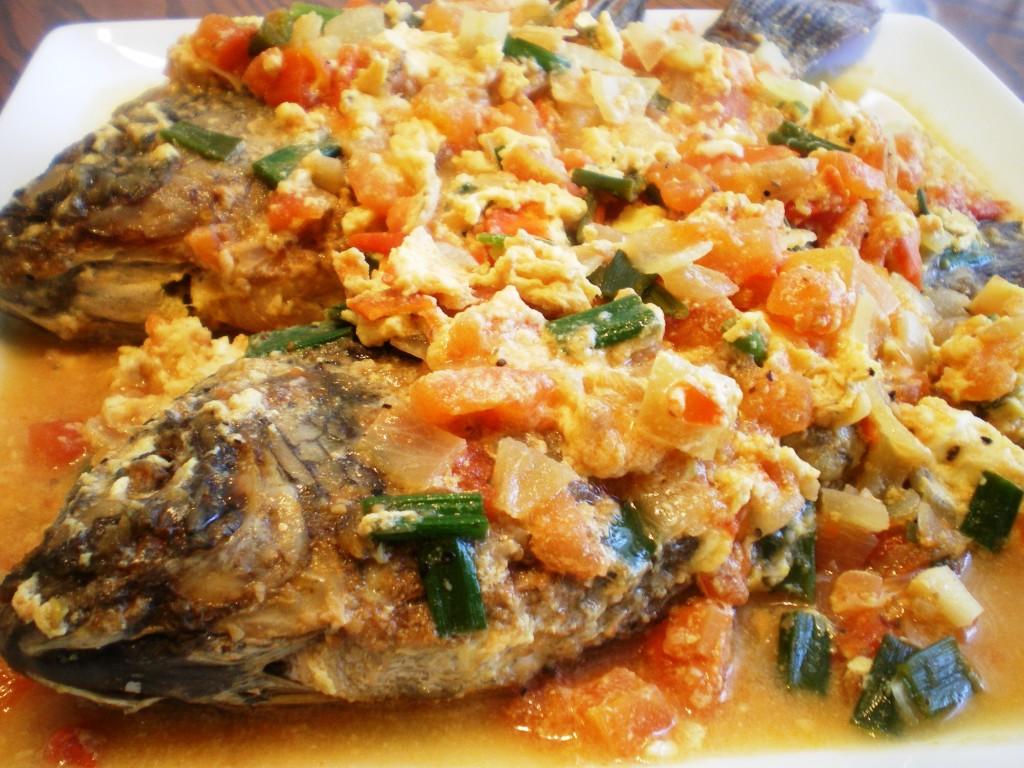 Sarciadong tilapia recipe healthy sea foods sarciadong for Fish recipe panlasang pinoy