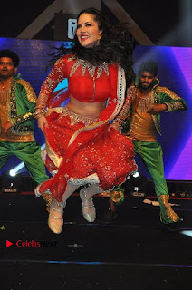 Bollywood Actress Model Sunny Leone Dance Performance in Red Half Saree at Rogue Audio Launch 13 March 2017  0158.jpg