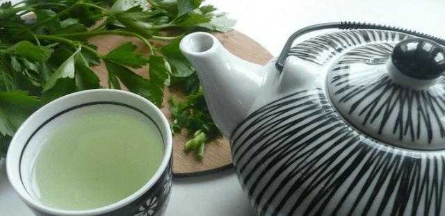 cómo elaborar el agua de perejil para depurar los riñones