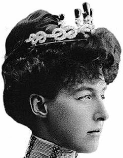 Knots Stars Tiara Princess Helene Duchess Aosta Savoy Musy Emerald