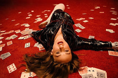 """Allow Us To Introduce You To Spectacular Stellar Singer Zella Day & Her Groovy Hypotonic Tune """"My Game"""""""