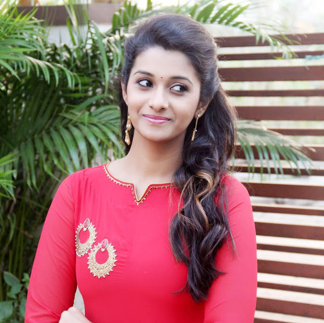 Priya Bhavani Shankar age, marriage, wedding photos, family, husband name, marriage date, caste, hot, engagement, photos, navel, engagement photos, latest news, facebook, fb